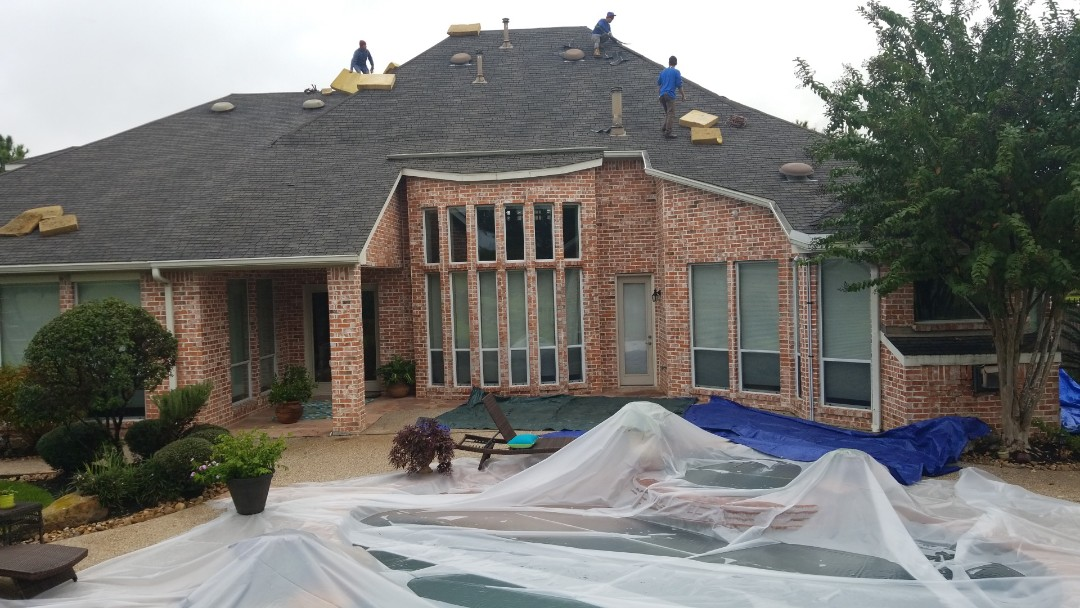 Spring, TX - Changing out discontinued storm damaged GAF shingle for GAF Camelot 3.  Great golf course home.