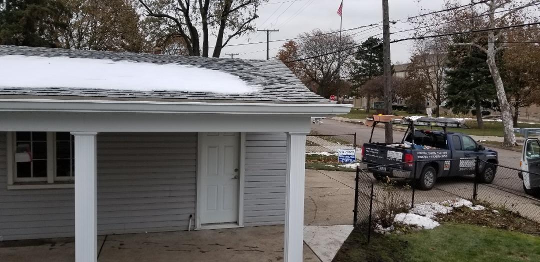 Dearborn, MI - Six (6) inch commercial seamless aluminum gutters