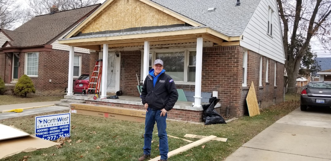 Dearborn, MI - New  Certainteed Vinyl siding with new load bearing aluminum columns for a new front porch overhang in Dearborn