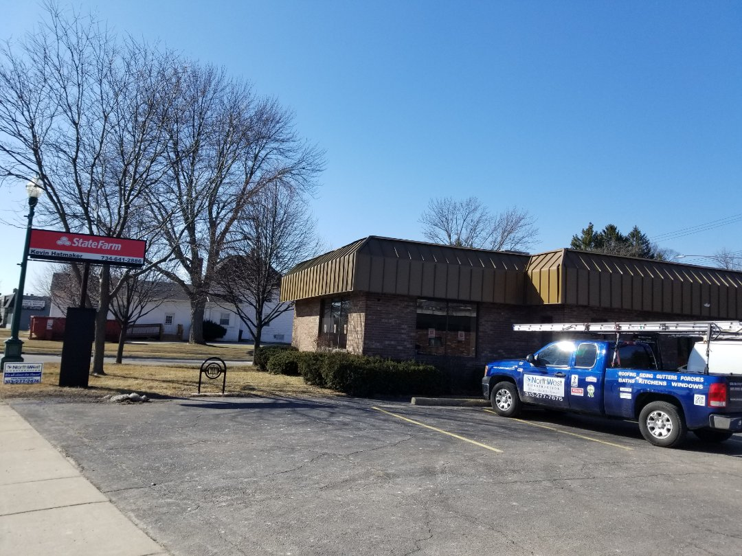 Wayne, MI - Remodeling the new State Farm office.  Build walls, insulation, Drywall, windows, Flooring,  cieling and electrical
