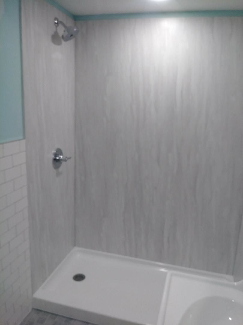 Worthington, OH - Great Wetwall shower new easy clean walls