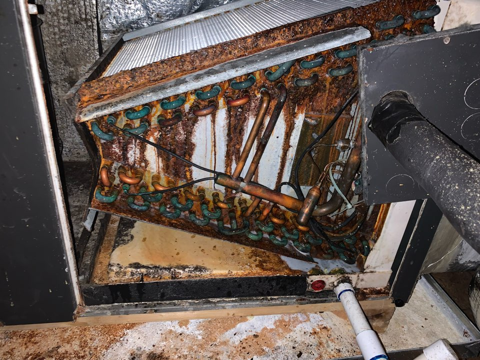 Richmond Hill, GA - No AC call. Leak in the evaporator coil.