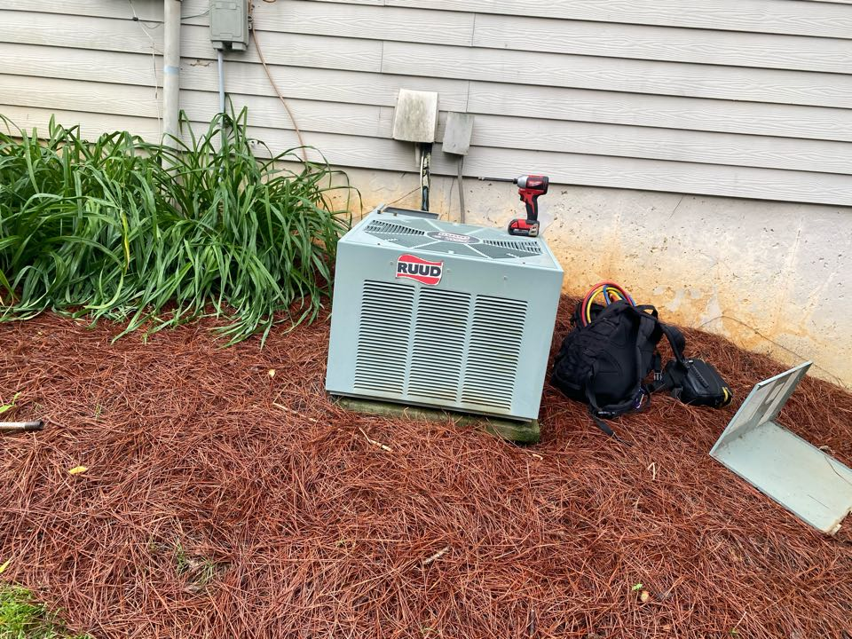 Kennesaw, GA - Unit did not have no refrigerant in it found leak on the evaporator coil and Kingvale Client decided to go with a full upgrade