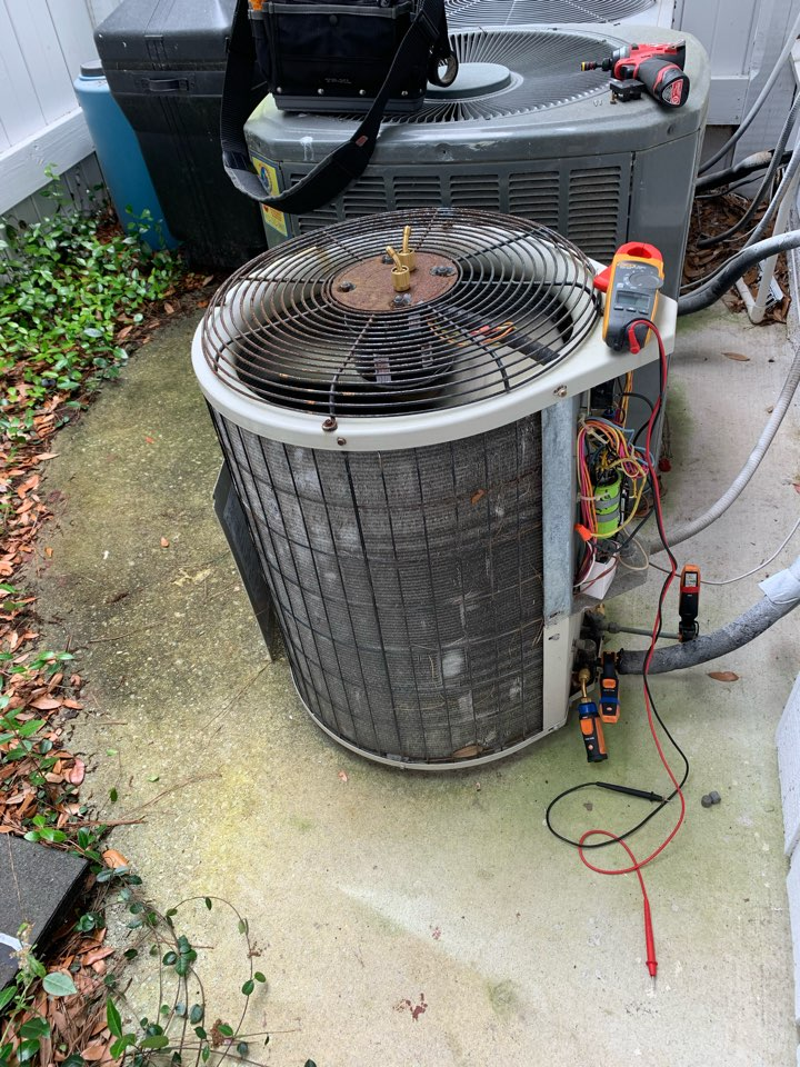 Savannah, GA - No cool svc call. Found leaks in the condenser coil