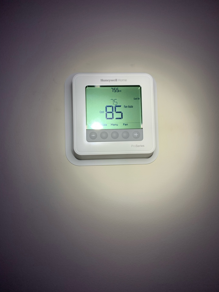 Rincon, GA - No cool service call. Found a shorted thermostat.