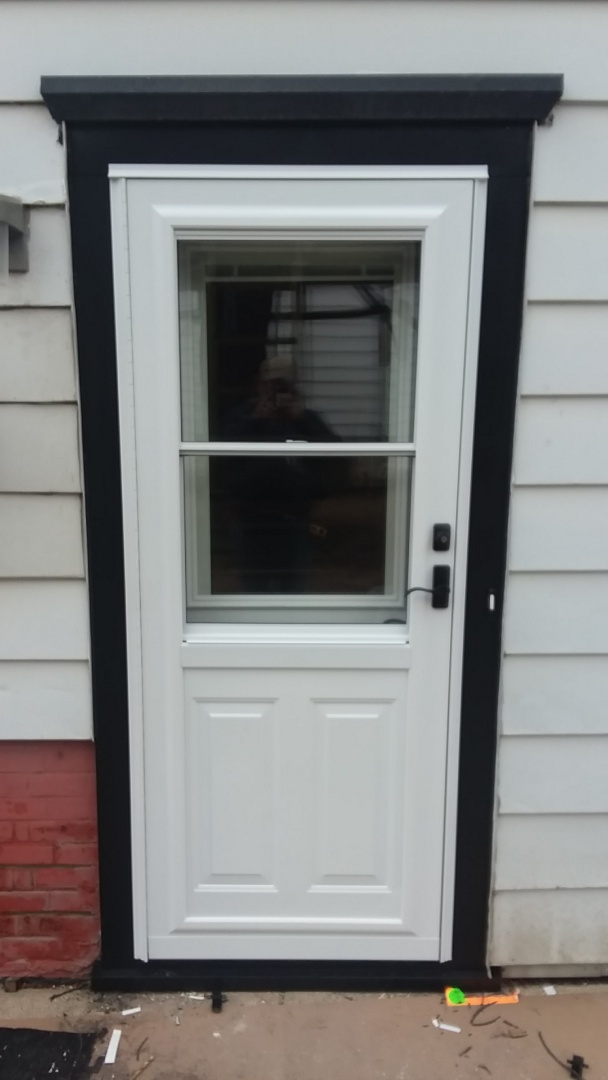 Milwaukee, WI - Entry and storm door