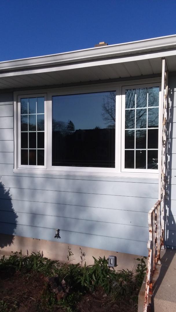 Milwaukee, WI - 7 windows