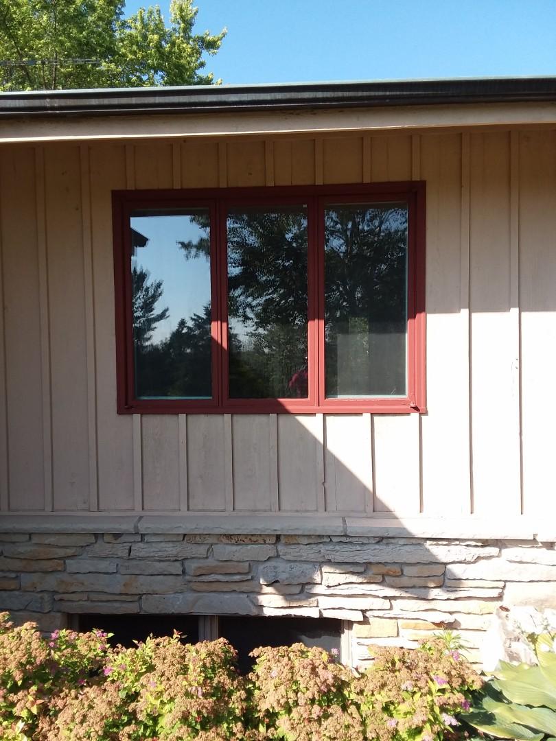 Kewaskum, WI - Twelve windows full frame complete with vinyl brickmold and woodwork