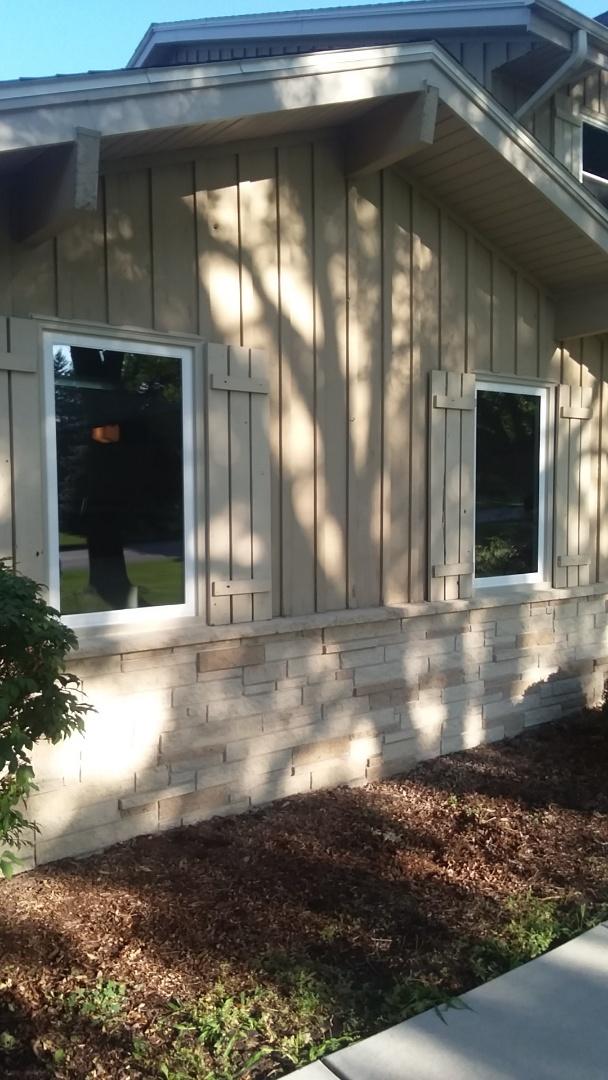 Brookfield, WI - 22 windows