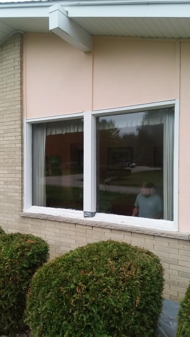 Brookfield, WI - 10 windows