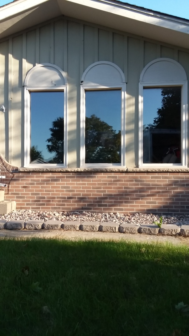 Racine, WI - Three windows full frame complete with vinyl brickmold and woodwork