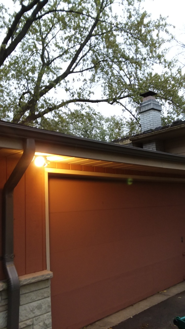 New Berlin, WI - Continuing installing hand mitered custom gutters on home