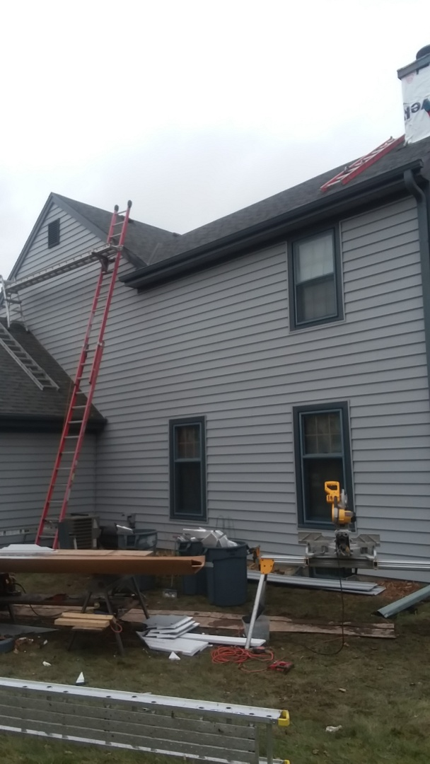 New Berlin, WI - Continuing installing foam  back vinyl siding on 2 story home