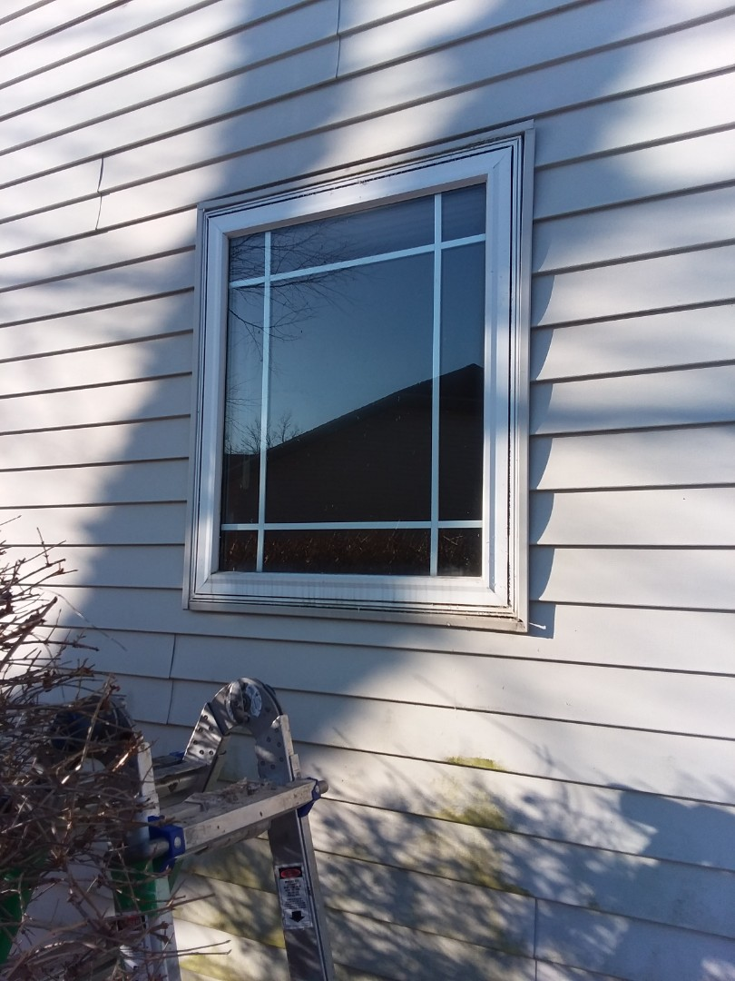 Oak Creek, WI - One window pocket install with aluminum and stops