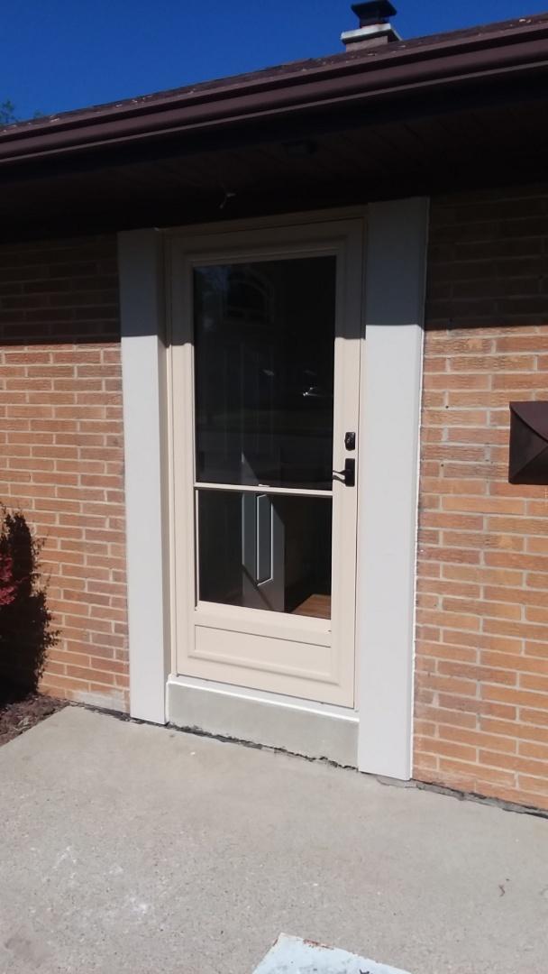 Racine, WI - Entry door