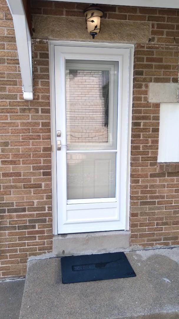 Milwaukee, WI - Entry door