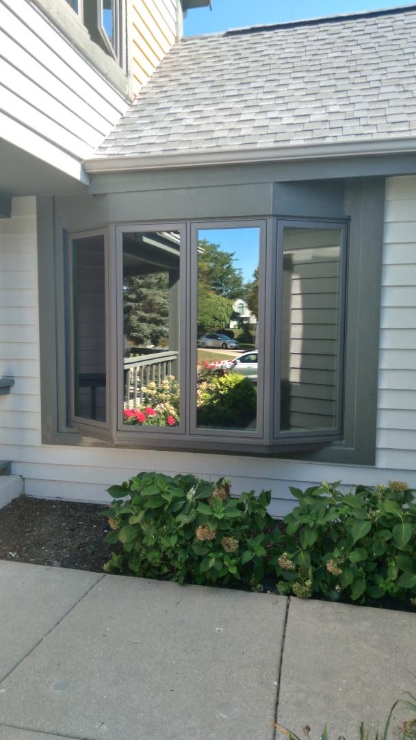 Muskego, WI - Bay window