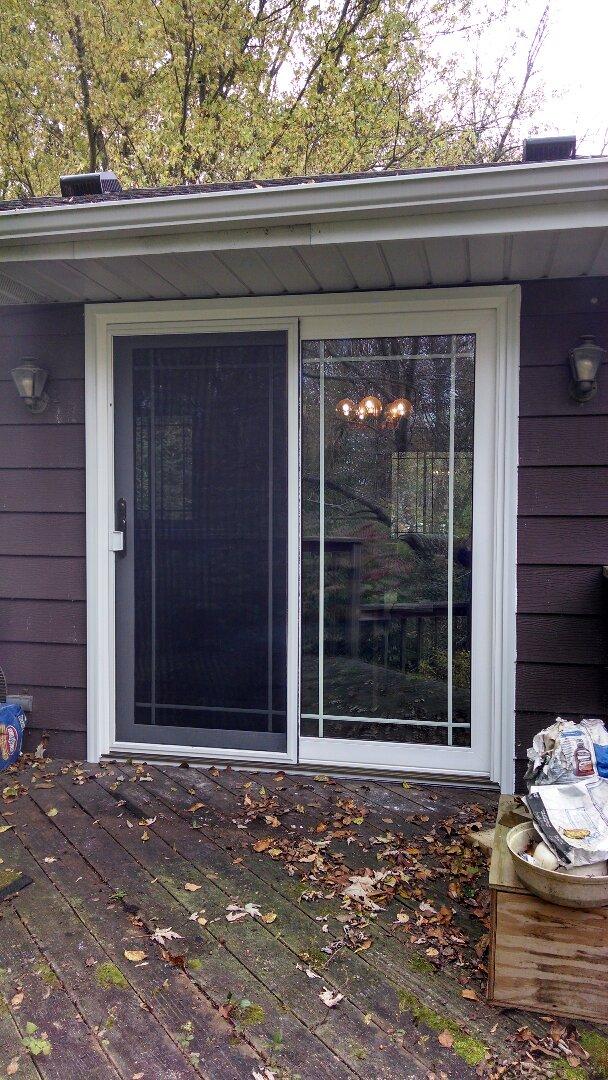 Franklin, WI - Patio Door, Bay Window & 6 Windows
