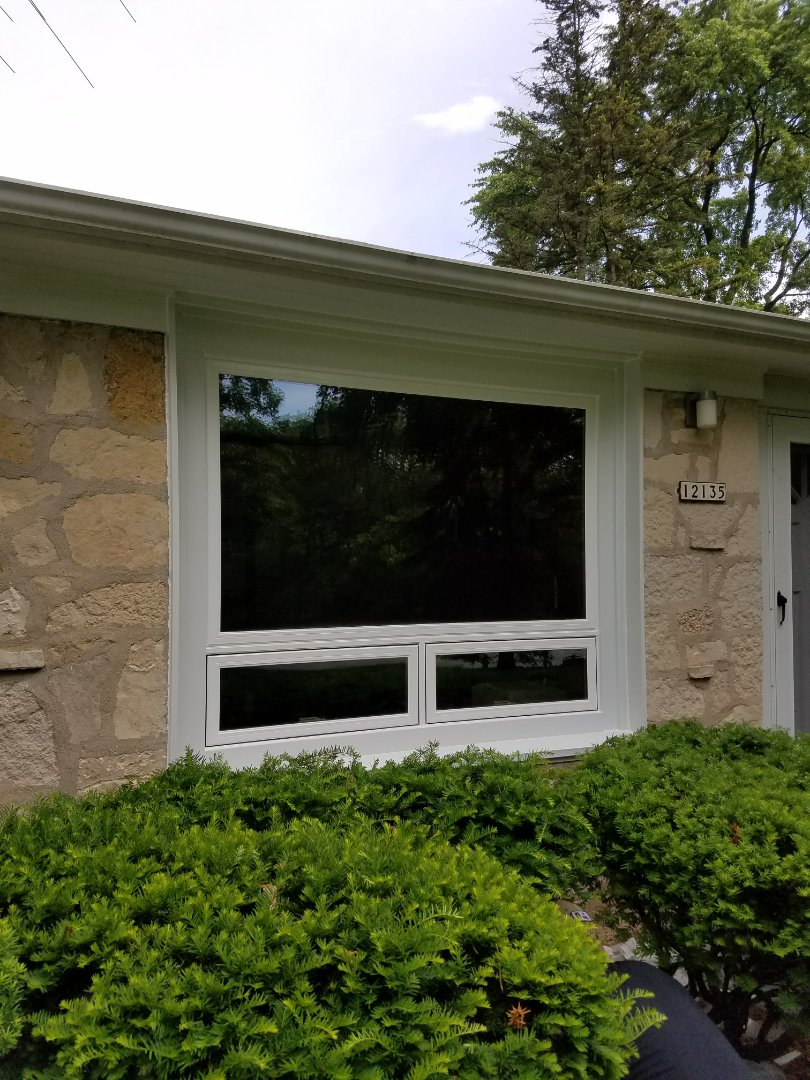 Wauwatosa, WI - 1 Full Frame Awning/Picture Window