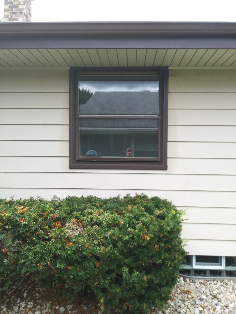 New Berlin, WI - FF Window Replacement befor