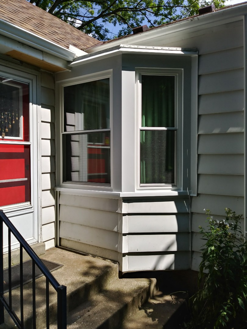 Brookfield, WI - 2 Pocket Double Hung Windows