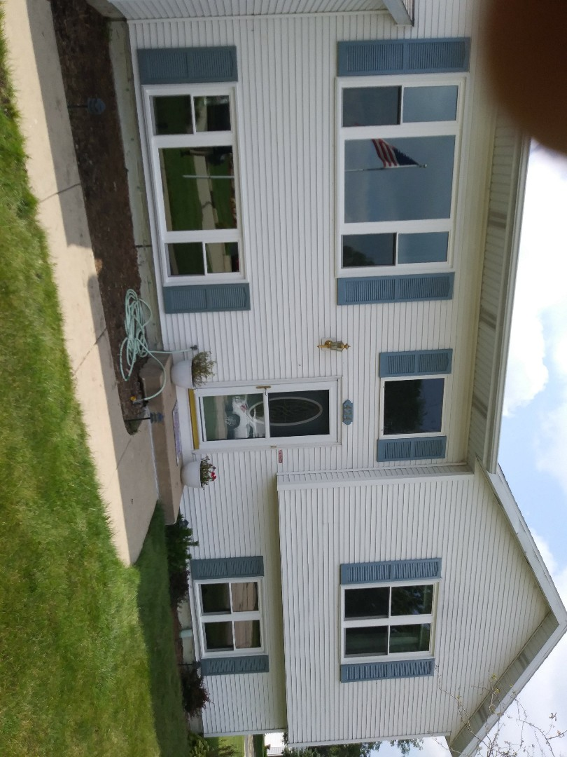 Elkhorn, WI - Just finished 8 brand new weather tight windows