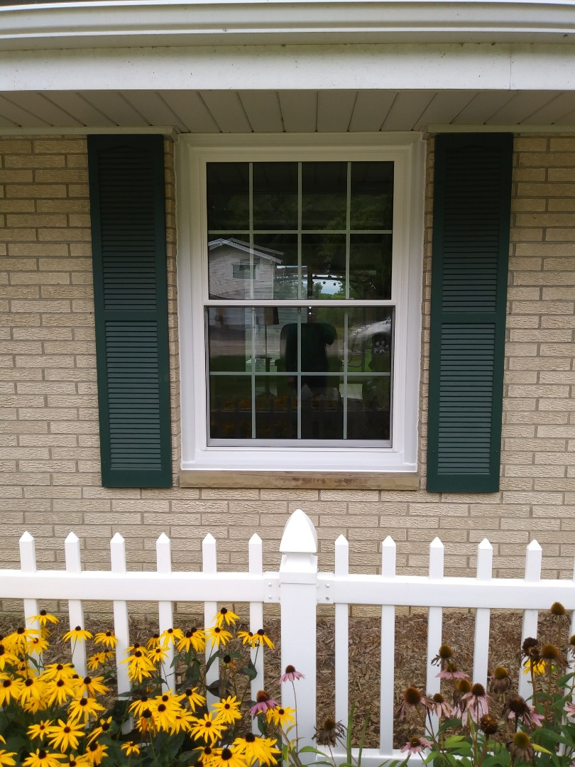 Oconomowoc, WI - Double hung windows