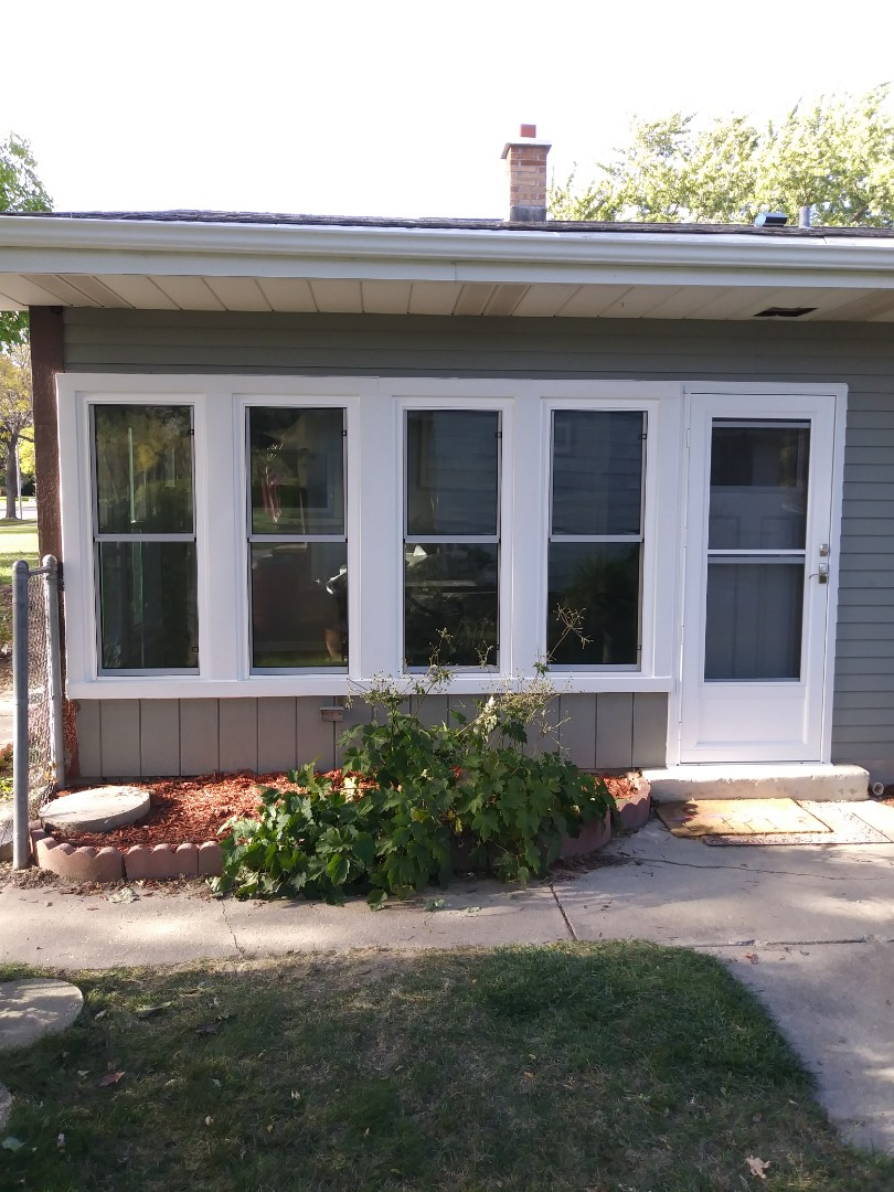Milwaukee, WI - 6 Replacement 2 Full Frames, 2Entry Doors,2 Storm Doors