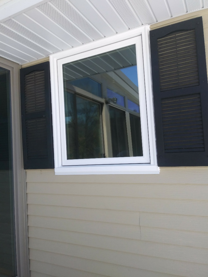 West Bend, WI - Installing new casement and double hung Windows weathertightcorp