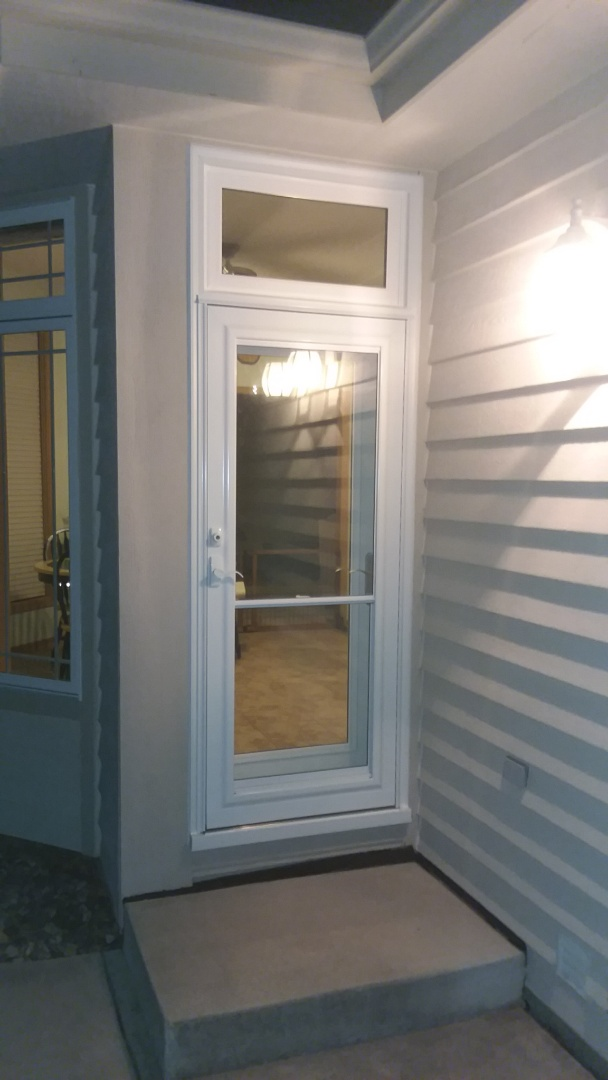 Sussex, WI - Entry door with transom