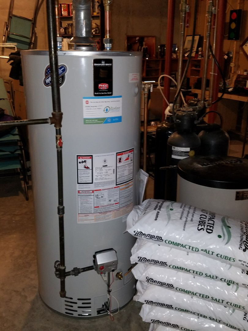 McHenry, IL - Replace a +15 year old water heater that was leaking in the basement.