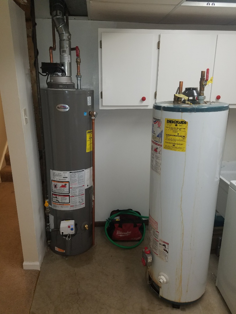 Winfield, IL - Replaced an older water heater that was corroded and leaking in the basement.