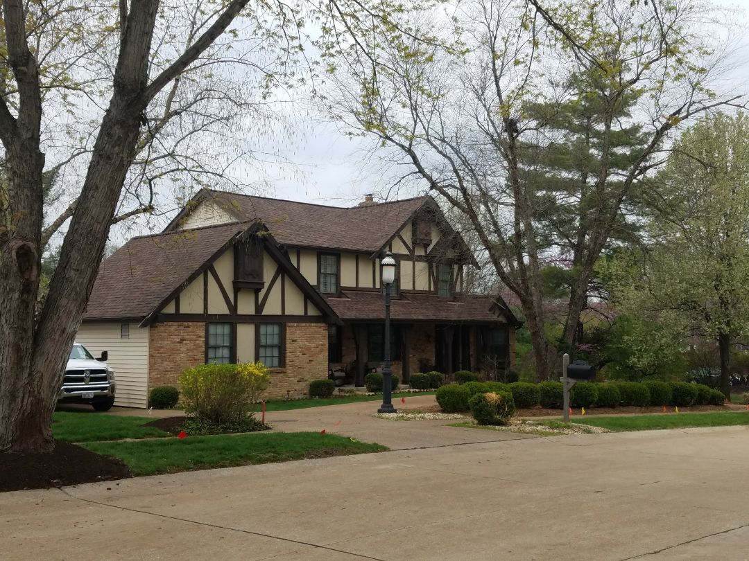 Chesterfield, MO - END installed a CertainTeed, Landmark PRO architectural shingle roof on this house last week.