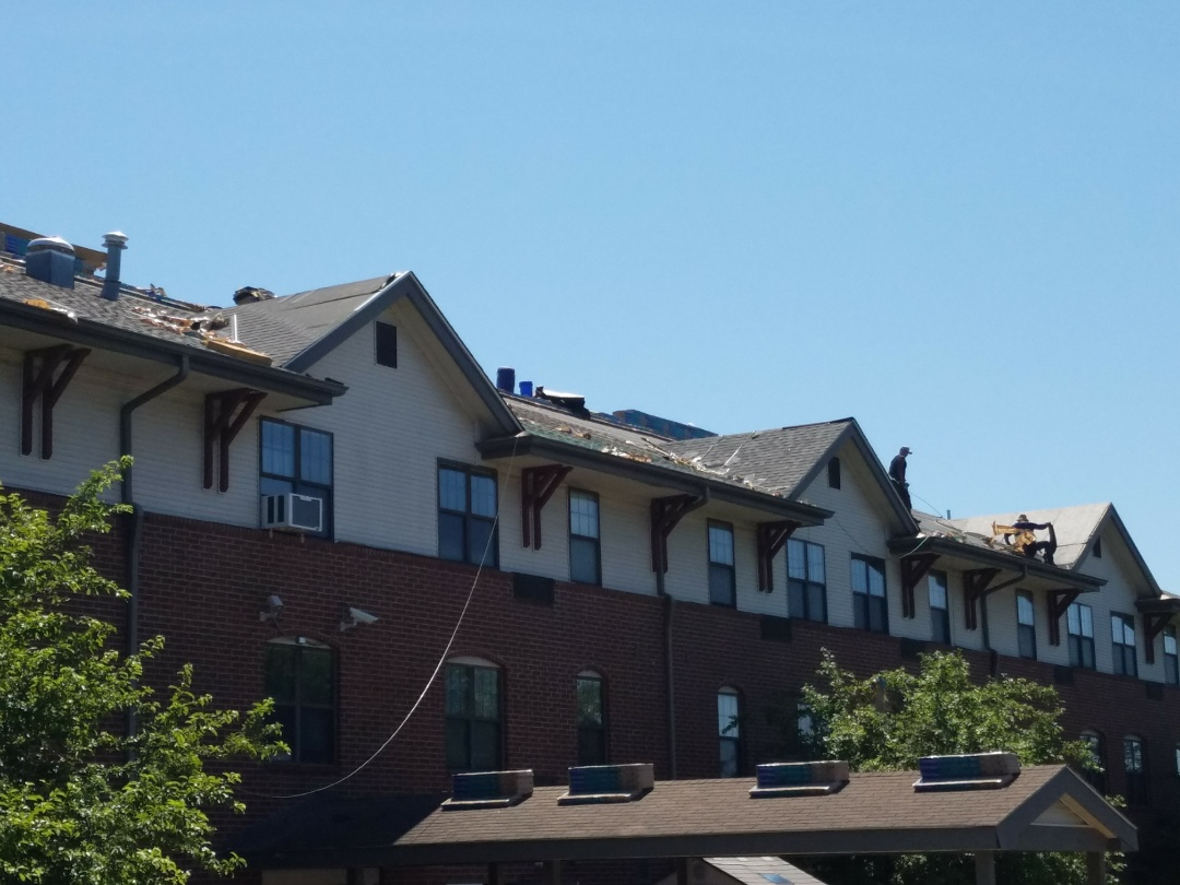 St. Louis, MO - EBS is installing a new Landmark Architectural Shingle roof.