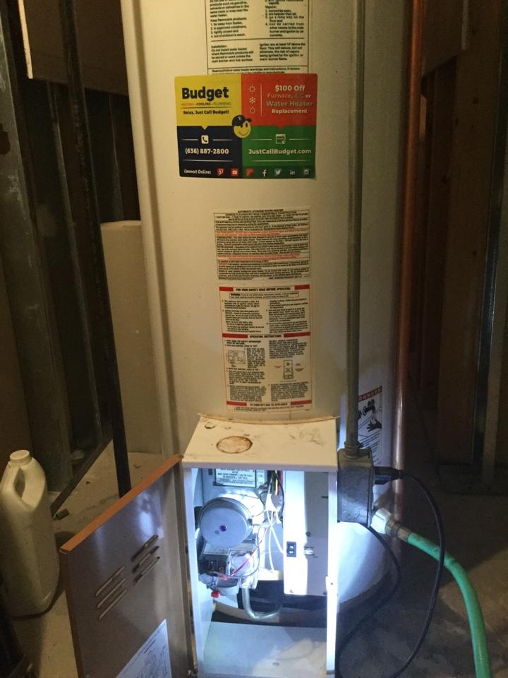 Washington, MO - Working on older power vent water heater