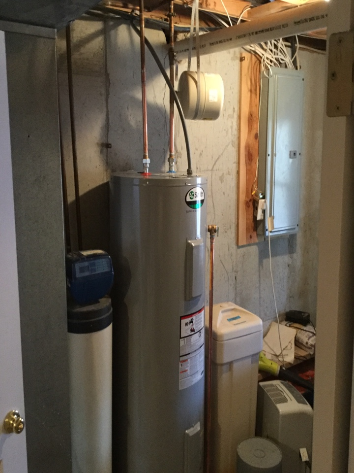 Marthasville, MO - Replacing 50 gal electric water heater in lake Sherwood mo