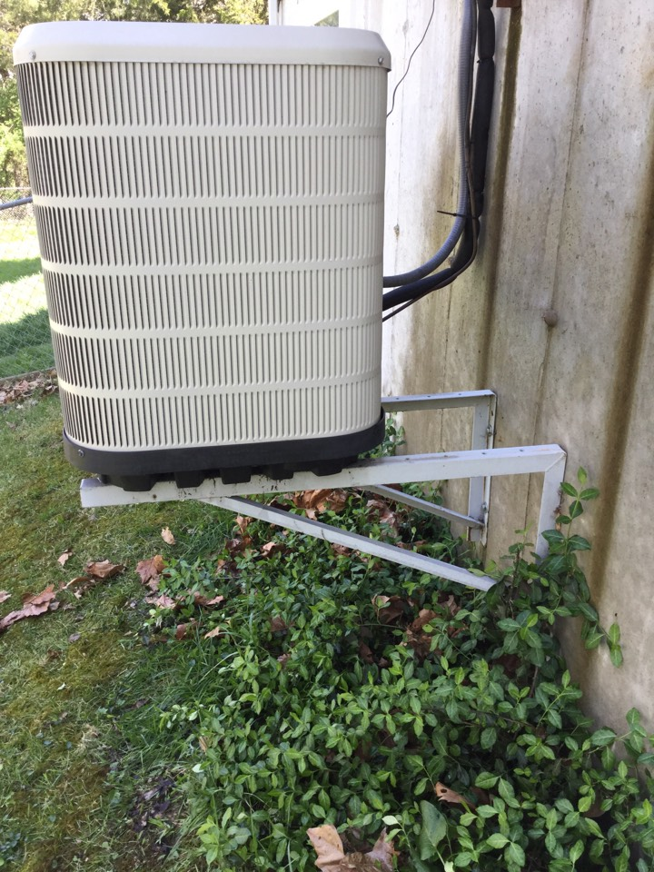 Washington, MO - Cleaning a/c, cleared drain line, change filter, check capacitor and temp. Difference in Washington, MO 63090