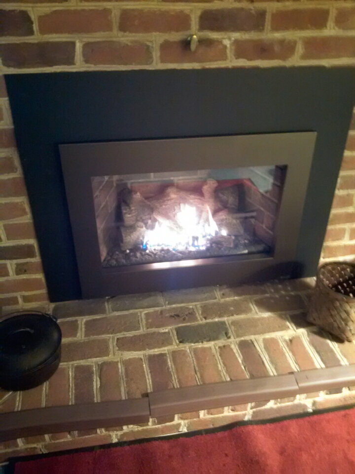 Crofton, MD - Crofton Maryland Fireplace Extraordinaire gas fireplace insert installation repair service call.