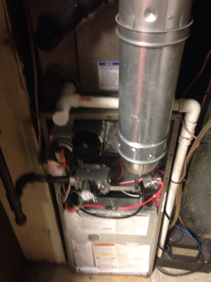 Crofton, MD - Crofton Maryland Carrier gas furnace heating AC system replacement installation service call.