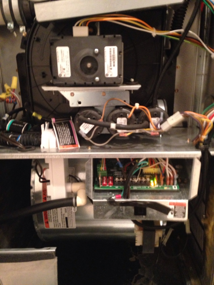 Crofton, MD - Crofton Maryland Carrier gas furnace heating system installation repair service call.