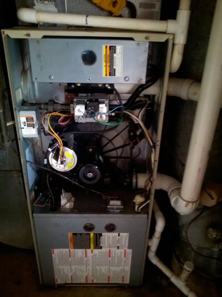 Crofton, MD - Crofton Maryland Carrier gas furnace heating AC system & Aprilaire whole house humidifier replacement installation service call.