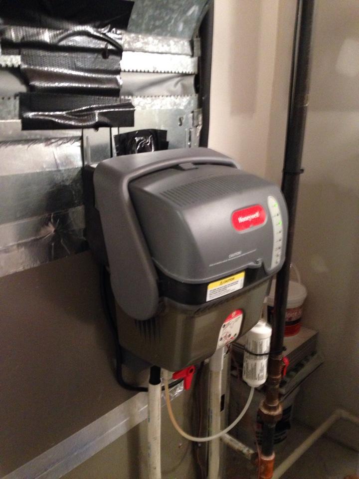 Gambrills, MD - Lennox heat pump heating & AC system & Honeywell steam humidifier installation repair service call in Gambrills Maryland 21054