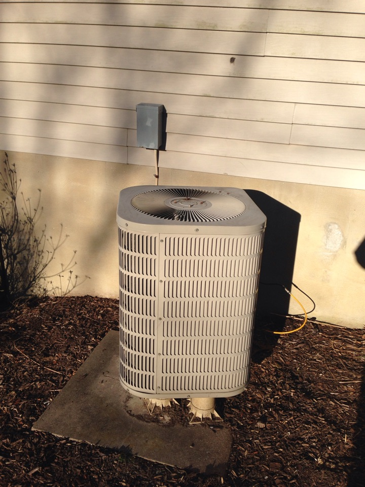 Gambrills, MD - Carrier heat pump furnace heating & A/C system replacement installation service call in Gambrills Maryland 21054