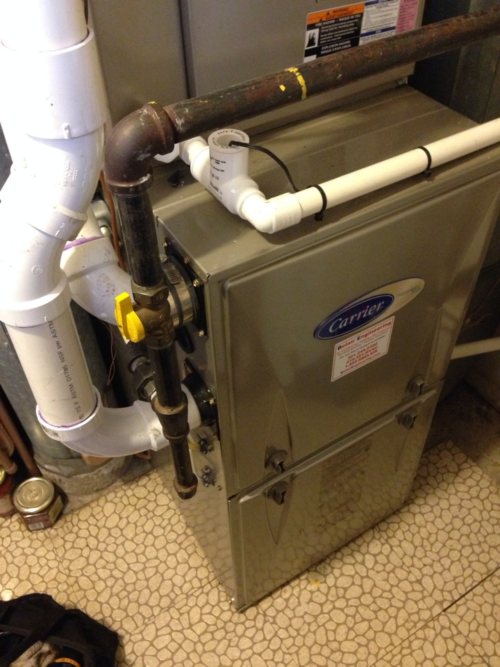 Crofton, MD - Carrier gas furnace heating & AC system & Aprilaire whole house humidifier installation repair service call in Crofton Maryland 21114