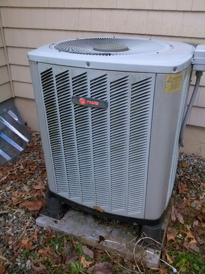 Crownsville, MD - Trane heat pump heating & AC system, Aprilaire whole house humidifier & Honeywell electronic air cleaner replacement installation repair service call in Crownsville Maryland 21032
