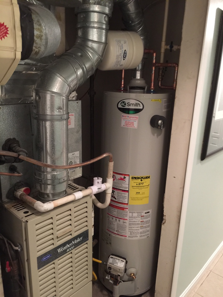 Crofton, MD - Water heater replacement installation & plumbing repair service call in Crofton Maryland 21114