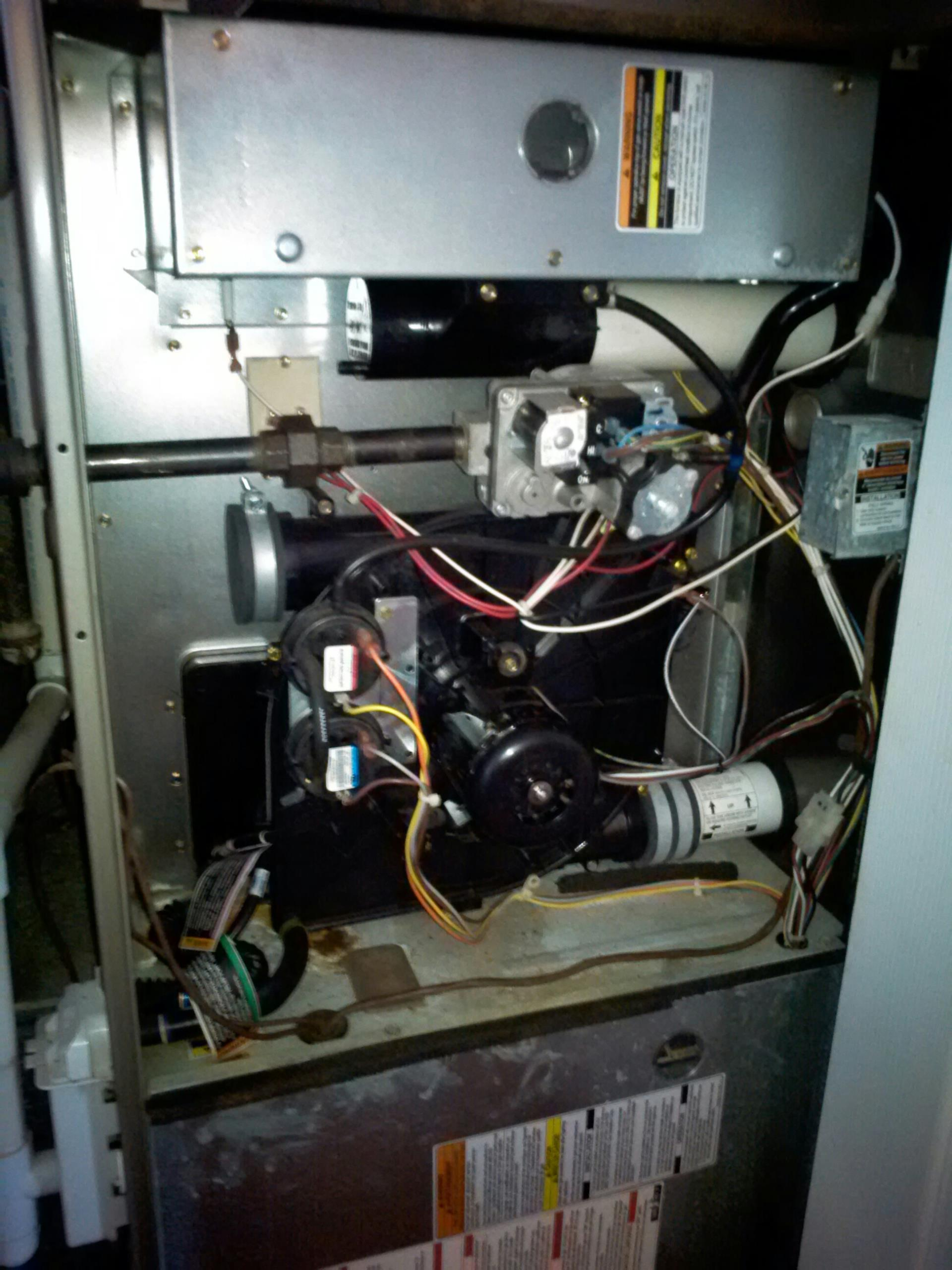 Crofton, MD - Carrier gas furnace heating & AC HVAC system replacement installation in Crofton Maryland 21114.
