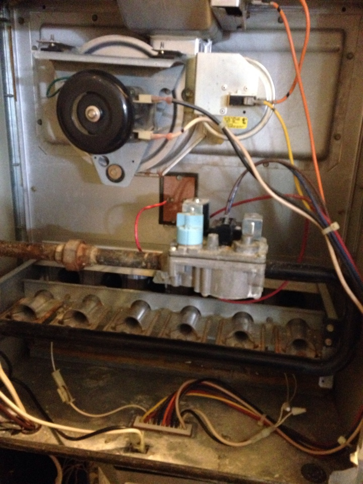 Crofton, MD - Carrier Weathermaker gas furnace heating & A/C HVAC system, Aprilaire humidifier & Honeywell electronic air cleaner replacement installation & plumbing repair service call in Crofton MD