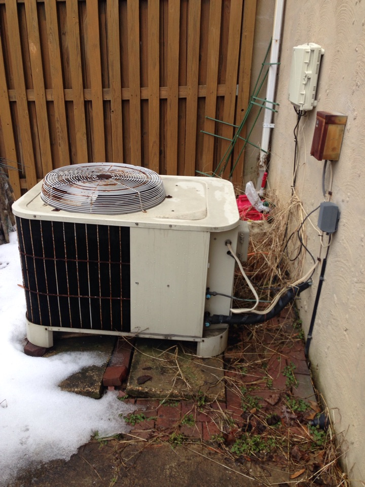Gambrills, MD - Bryant heat pump heating & AC system, electric hot water heater, replacement installation & plumbing repair service call in Gambrills Maryland.
