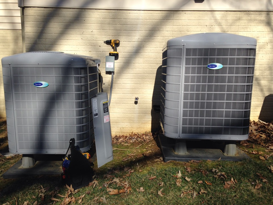 Crownsville, MD - Heat pump AC air conditioner & cooling system installation repair service call in Crownsville Maryland 21032